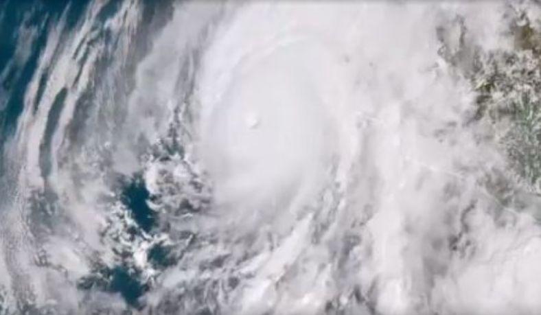 ハリケーンウィラ気圧